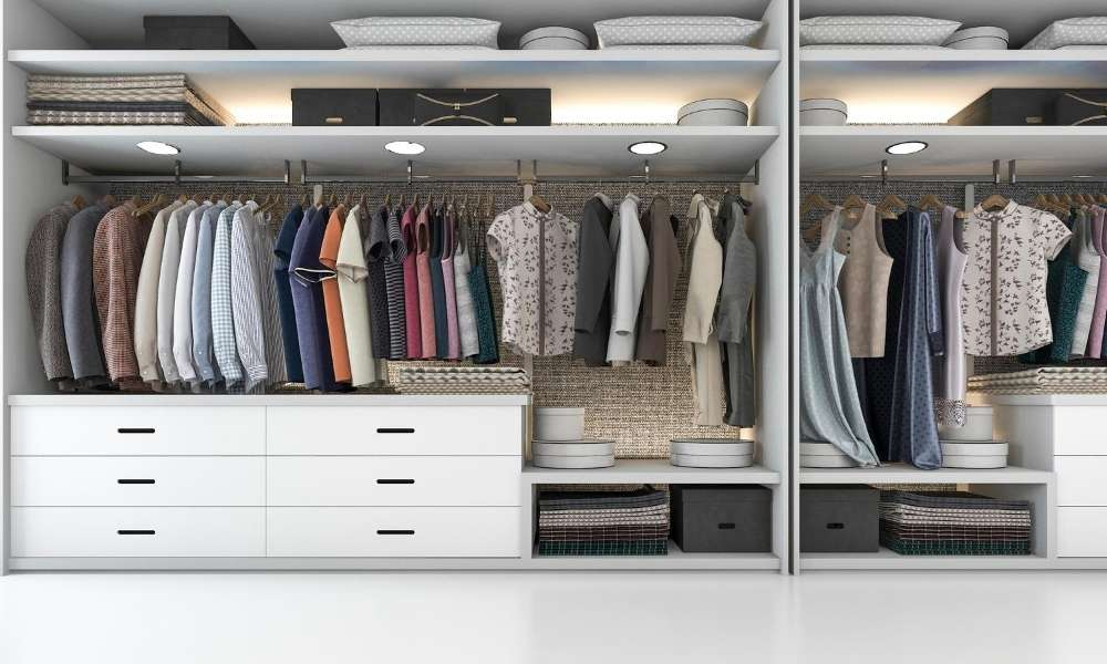 How to Clean Your Closet in Depth