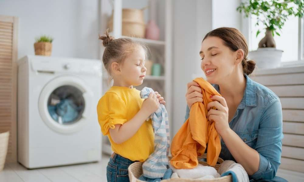 Creative Ideas Saving Space in Laundry Room