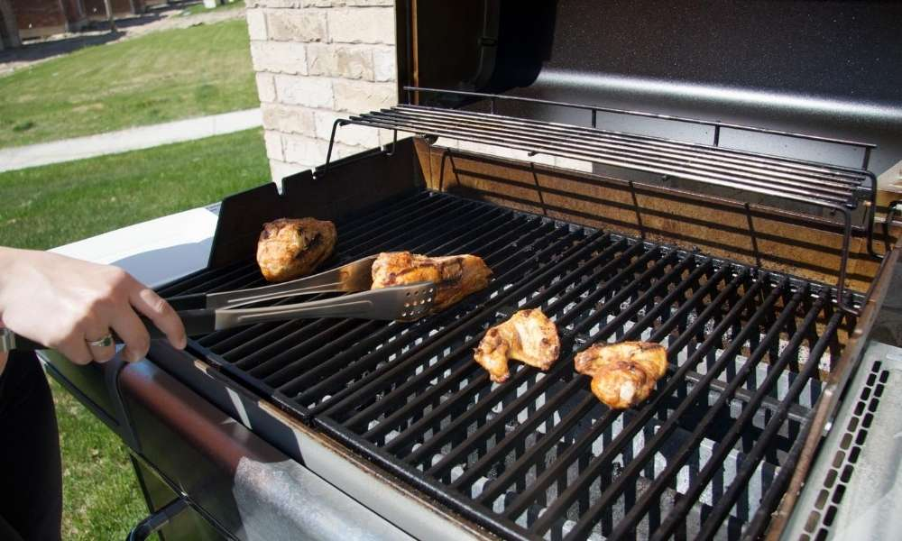 11 Essential Grilling And BBQ Utensils List