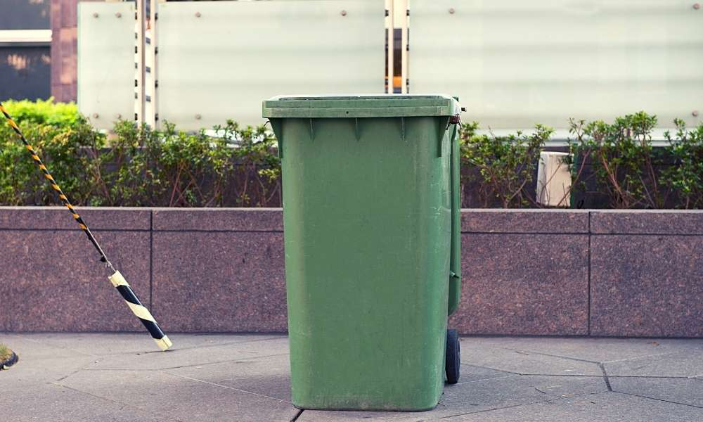 Some Essential Trash Cans or Compost Bins for Your Home