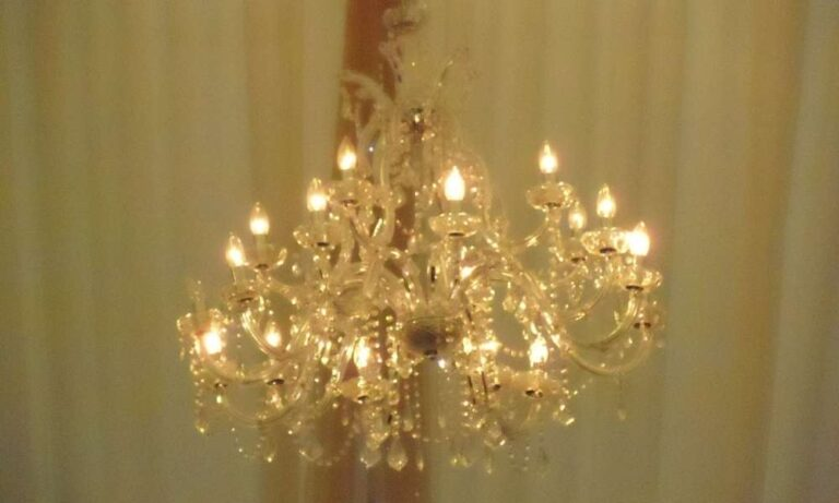 Incomparable Beauty of Chandeliers